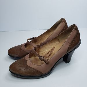 Sofft Leather Wingtip Heels Brown Size 7.5